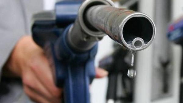 Szerdán az egekbe szökik a benzin ára