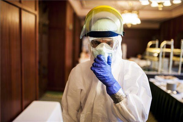 Koronavírus - Meghalt hat beteg, 678-ra nőtt a fertőzöttek száma Magyarországon