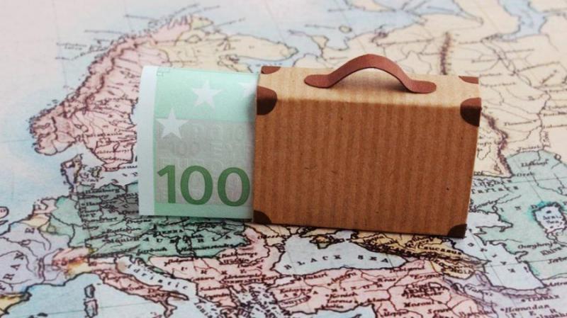 Nagy összegű készpénzzel érkezik az Európai Unióba? Akkor erre figyeljen!