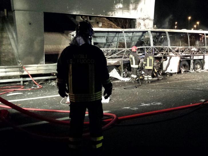 Veronai baleset - Két magyar sofőr vezette az autóbuszt