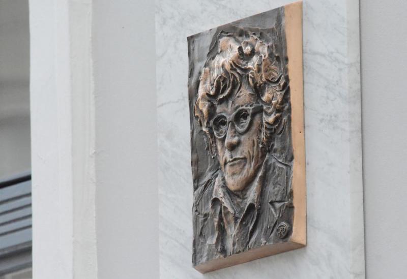 Felavatták Takács Imre költő emléktábláját