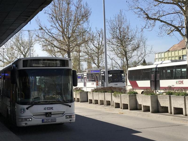 Így közlekednek a távolsági buszok a hosszú hétvége alatt