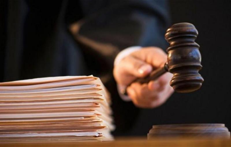 Pécsi bankfiók alkalmazottait ítélték el sikkasztás miatt