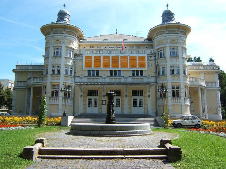 Vidéki színházak programjai - Kaposvár, Dunaújváros